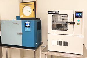 Optic testing chambers